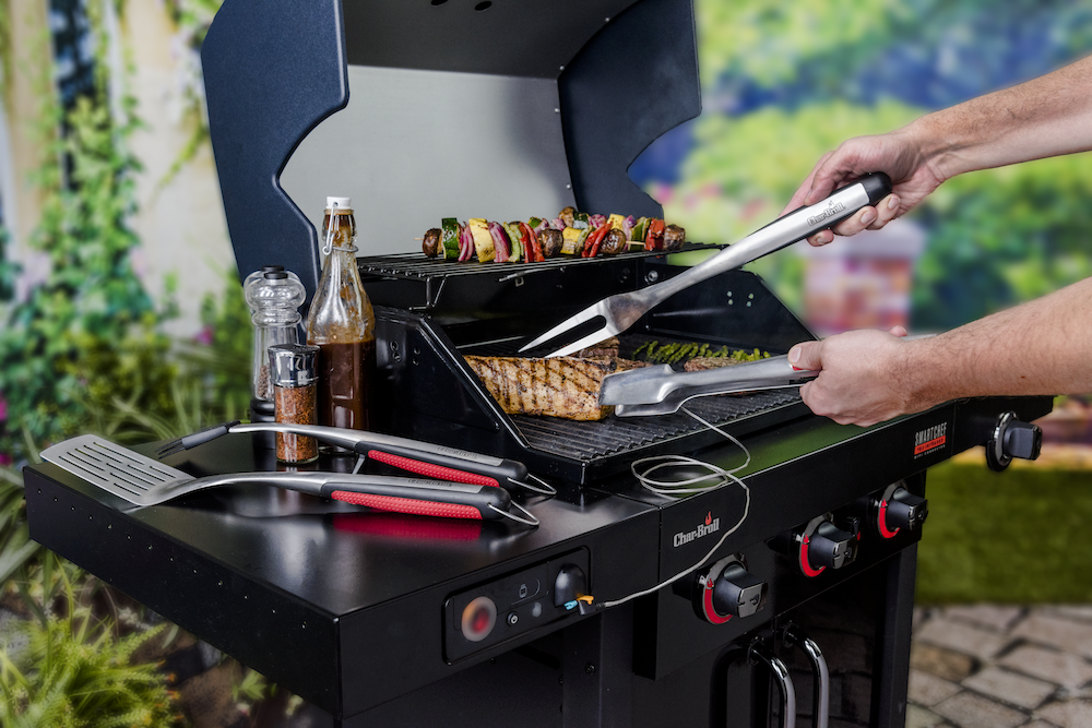 Char-Broil SmartChef Gas Grill