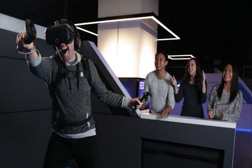 IMAX_VR_Arcades_Give_Visitors_The_Chance_To_Try_Out_VR_Games.jpg