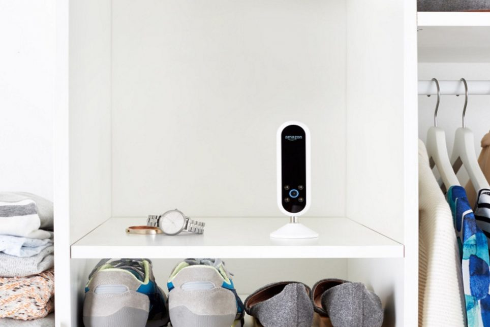 Amazon's_Echo_Look_Rates_A_User's_Outfit.jpg