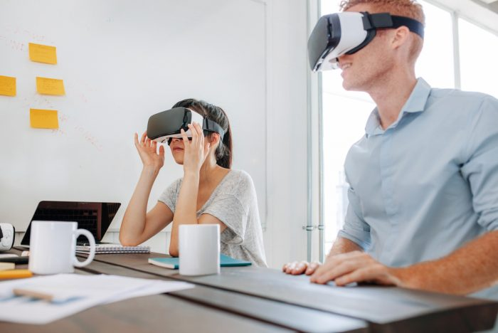 Google Versus Apple: A Clash To Excel In Augmented And Virtual Reality