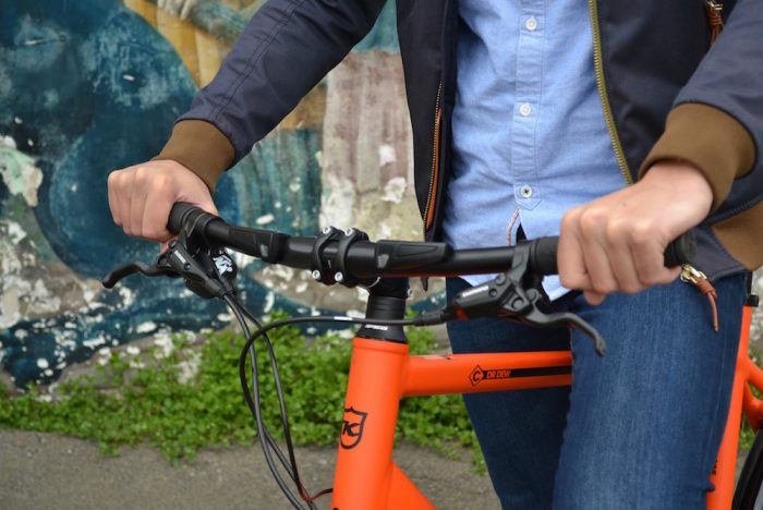 The First Connected Handlebars Make Biking Safer