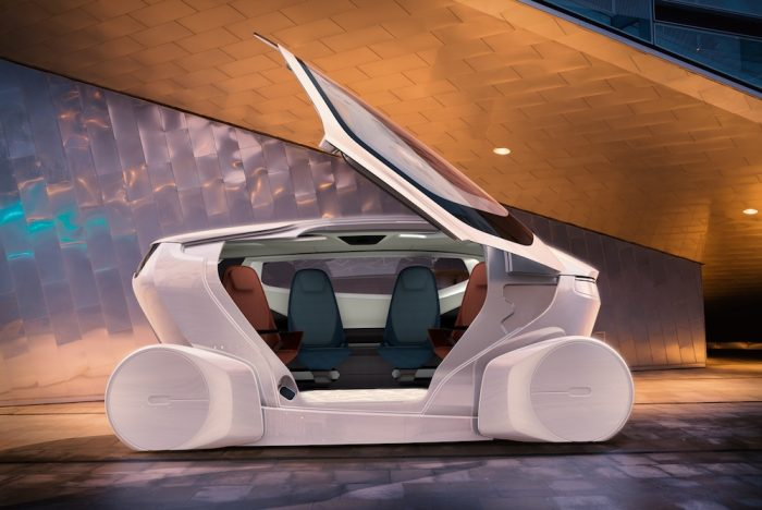 Autonomous Vehicle Interior Transforms For Meetings Or Socializing