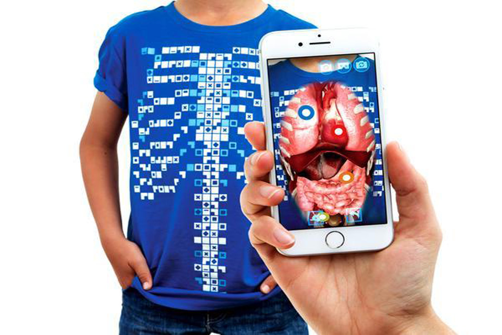 T Shirt Lets Wearers Explore Their Own Anatomy In Ar