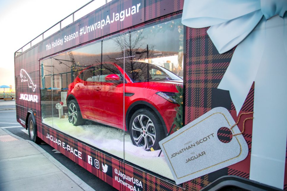 Jaguar Mobile Holiday Window - 3.jpg